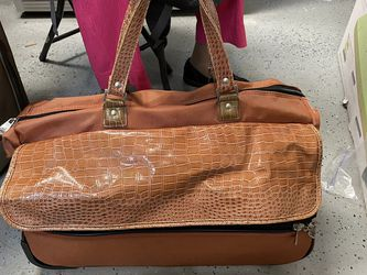 Joy Mangano Duffle Bag for Sale in Boca Raton,  FL
