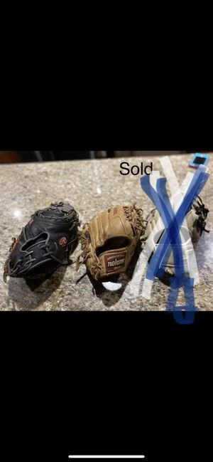 Baseball Gloves for Sale in Dallas, TX