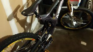 Downhill mountain bike Intense Team M9 FRO size Large for Sale in San Diego, CA