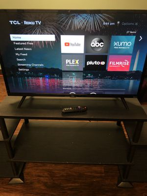 tcl 32 inch roku smart tv for Sale in Houston, TX