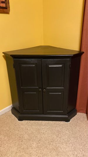 Cabinet and TV for Sale in Lacey, WA