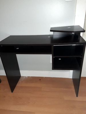Office desk for Sale in Seattle, WA