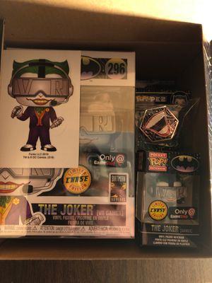 The Joker VR Chase funko pop/With pop protector for Sale in Victoria, TX