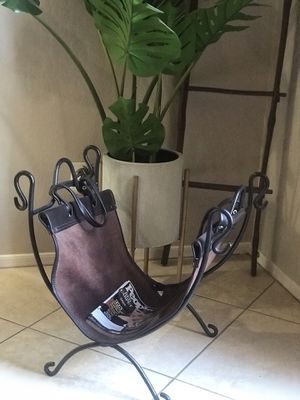 Magazine/Newspaper/Wood rack for Sale in Phoenix, AZ