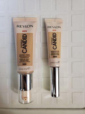 Revlon foundation/Concealer for Sale in NEW CARROLLTN, MD