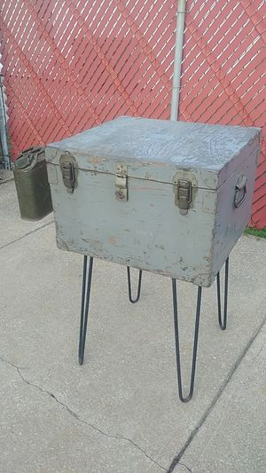Vintage Military Signal Corp Trunk for Sale in Brooklyn, OH