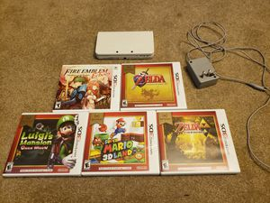 New Nintendo 3DS with 5 games for Sale in Smyrna, GA