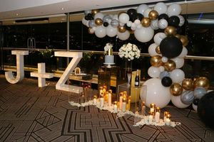 Backdrops and balloons for Sale in Baldwin Hills, CA