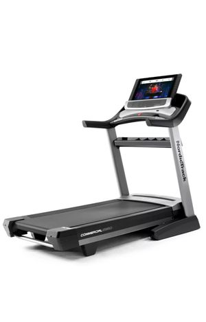 Treadmill: NordicTrack Commercial 2950 [FOR PARTS] for Sale in Plainfield, IL