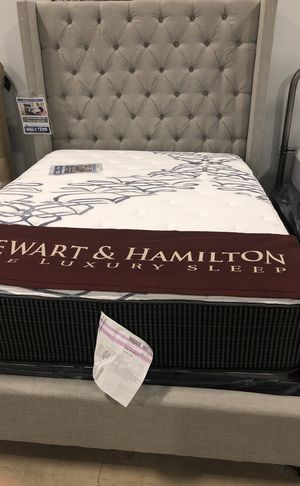 Westerly Queen bed frame for Sale in Lansing, MI