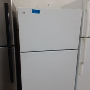 Hotpoint refrigerator for Sale in Modesto, CA