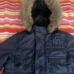 Tommy Jacket Xs 2T /4 T for Sale in Brentwood, NY
