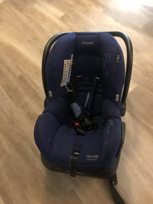 car seat with 2 bases and stroller maxi cosi for Sale in Seattle, WA