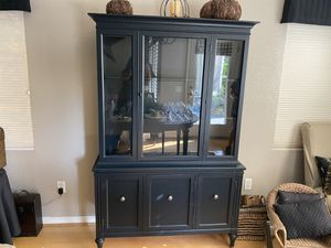 China hutch for Sale in Roseville, CA