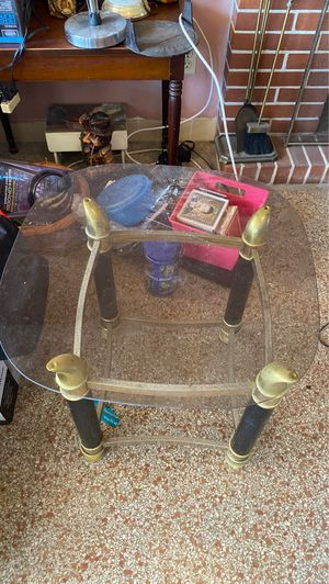 Coffee table or side table for Sale in Hollywood, FL