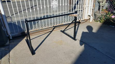 wall mounted pull up bar for Sale in Montebello,  CA