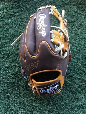 Rawlings heart of the hide 11.75 baseball glove $215 obo new with tags softball for Sale in Chino, CA