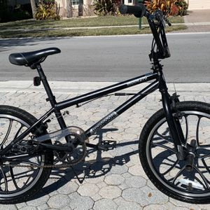 Mongoose Mode 270 Freestyle BMX 20 boys bicycle for Sale in West Palm Beach, FL