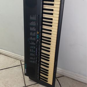 Yamaha PSR-19 for Sale in Upland, CA