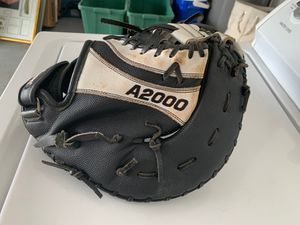A2000 LH Throw first base softball glove for Sale in Lake Mary, FL
