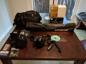 Nikon D5300, Nikkor DX AF-S VR 18-140mm, Nikkor AF-S 35mm f/1.8G, Targus DSLR bag, Polaroid Tripod for Sale in Sacramento, CA