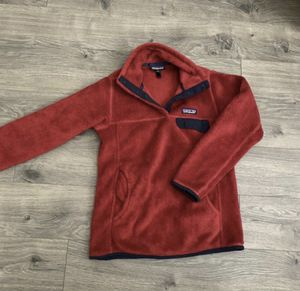 Patagonia XS women synchilla sweater jacket red for Sale in Tukwila, WA
