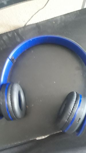 Bluetooth headphones for Sale in Wichita, KS