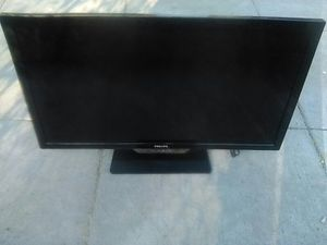Phillips 40 inch Smart TV with Remote control for Sale in Washington, DC