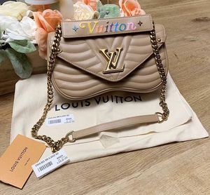 Louis Vuitton Chain Bag for Sale in Washington, DC