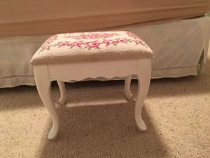 Vintage rose needlepoint foot stool for Sale in Eleva, WI