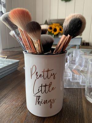 Vanity make up holder for Sale in Pico Rivera, CA