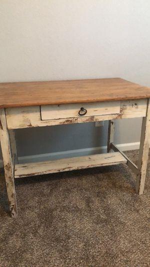 Beautiful vintage desk for Sale in Fresno, CA