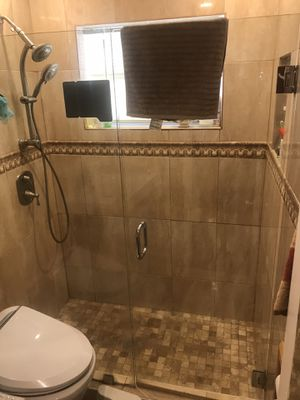 Swing-Out Shower Door for Sale in Lauderhill, FL