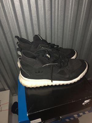 Adidas tubular sz 10 for Sale in Pompano Beach, FL