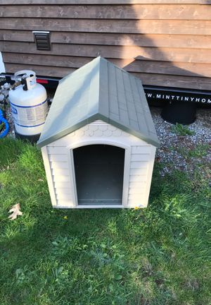 Suncast brand doghouse for Sale in Puyallup, WA