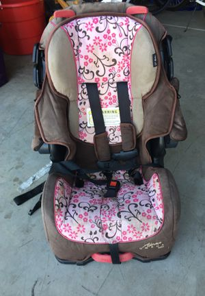 Car seat for Sale in Visalia, CA