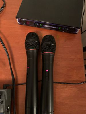 Dual mic system in great condition. Sounds pretty good $50obo for Sale in Seattle, WA
