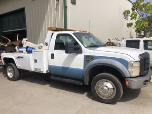 2008 Ford F550 6.0 wheel lift eagle claw style tow truck for Sale in Honolulu, HI