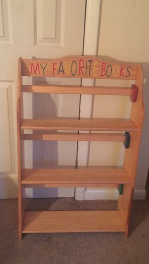 Child BookShelve (Good Condition) for Sale in East Orange, NJ