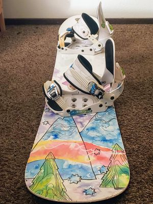 Roxy silhouette 143 snowboard snow with bindings for Sale in San Leandro, CA
