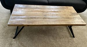 Wooden Coffee table w/metal legs for Sale in Manassas, VA