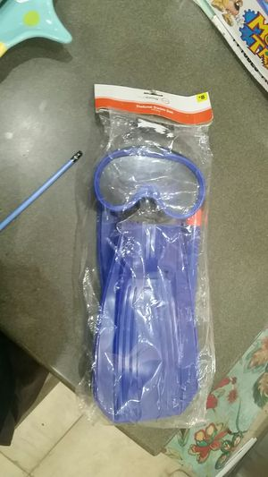 True living goggle snorkel and fins set for Sale in Phoenix, AZ
