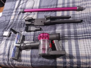 Dyson stick v6 motorhead cordless vacuum for Sale in Dallas, TX