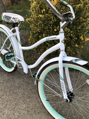 C👀L Ladies beach cruiser bike NICE!! for Sale in Hubbard, OR