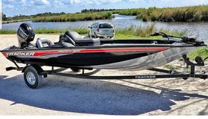 """Tracker Pro Team 175 Bass Boat 17.5"""" for Sale in Coral Springs, FL"""