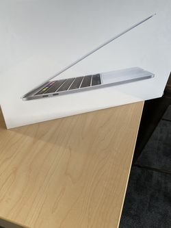 MacBook Pro 256g M1 Chip for Sale in Fontana,  CA