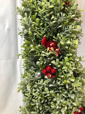 """36"""" Glistening Boxwood Topiary w/ Berry for Sale in Pompano Beach, FL"""