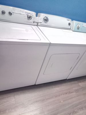WHIRLPOOL TOP LOAD WASHER AND ELECTRIC DRYER SET WORKING PERFECT for Sale in Baltimore, MD