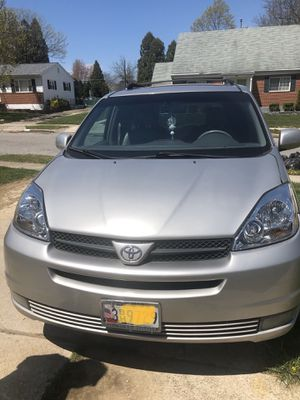 2005 Toyota Sienna Xle 140k mies for Sale in Catonsville, MD