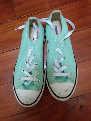 Girl's Converse tennis shoes for sale - new condition (but no box) for Sale in Oakland, CA